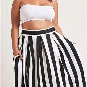 NWT Beautiful Maxi Skirt